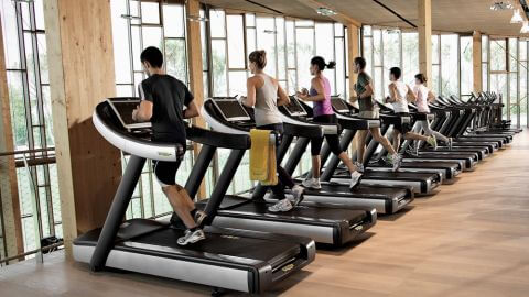 people doing cardio to reduce belly fat
